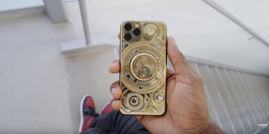 hands-on-100k-gold-iphone