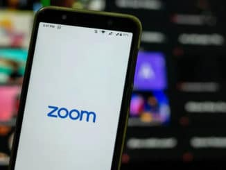 zoomaus