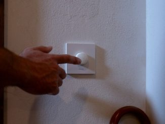 Philips Smart Button: Solution to the Big Problem of Smart Lights