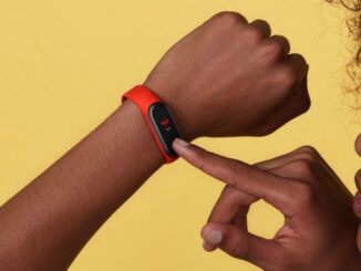 Best Sports Smartband with Integrated Screen