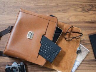 Tastaturi Bluetooth compacte pentru controlul televizorului dvs. inteligent