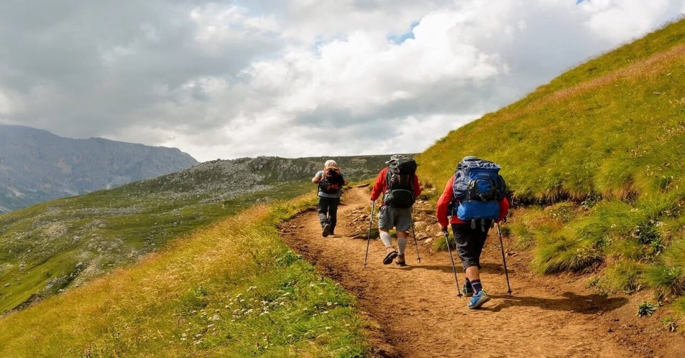 iPhone and Apple Watch Apps for Hiking
