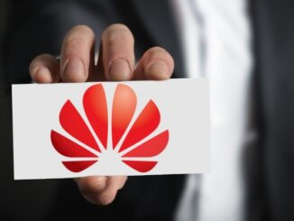 Quickly Share Personal Information with Huawei Mobiles