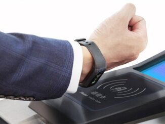 Smartwatch with NFC