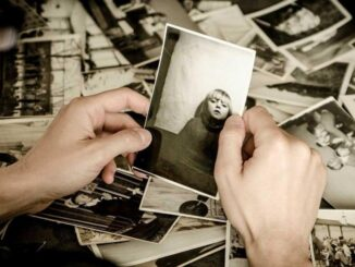 Make an Old Photo Effect on Images with Photoshop