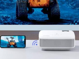 Anslut mobilen till en projektor via kabel eller WiFi