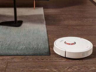Măturați casa de pe mobil cu un aspirator robot Yeedi