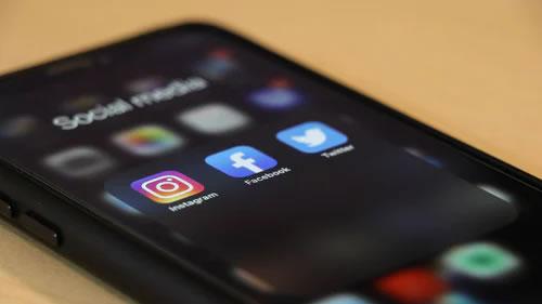 mídia social para smartphone