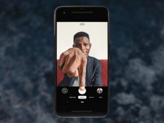 Take the Best Selfies Without Touching Your Mobile
