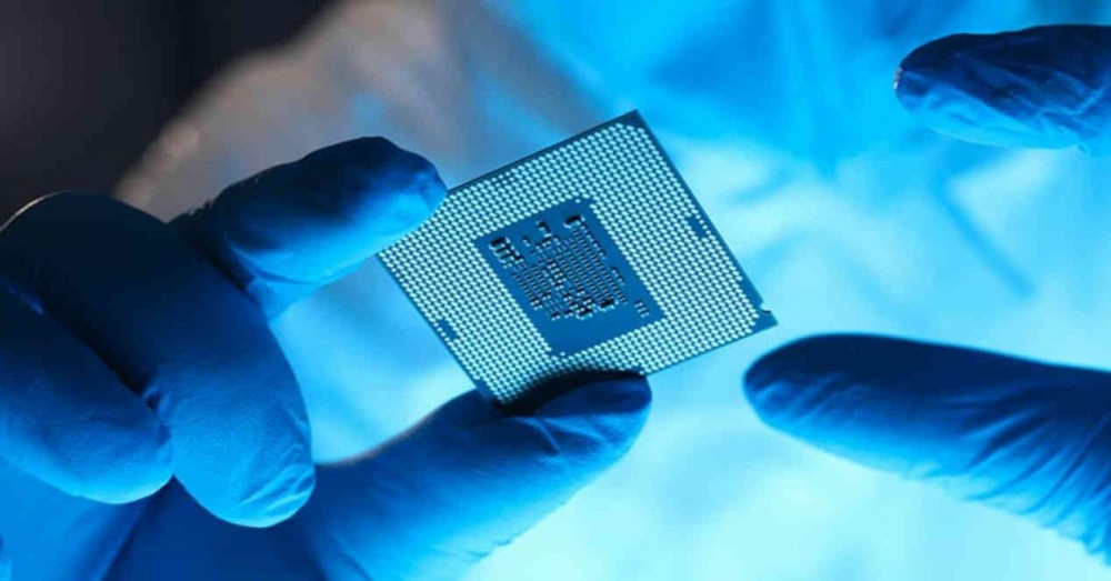 Big and Little Cores in a Heterogeneous CPU