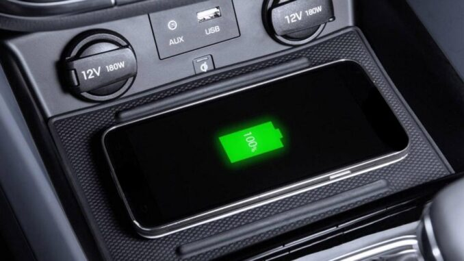 Problems of Regularly Charging a Mobile Phone in the Car