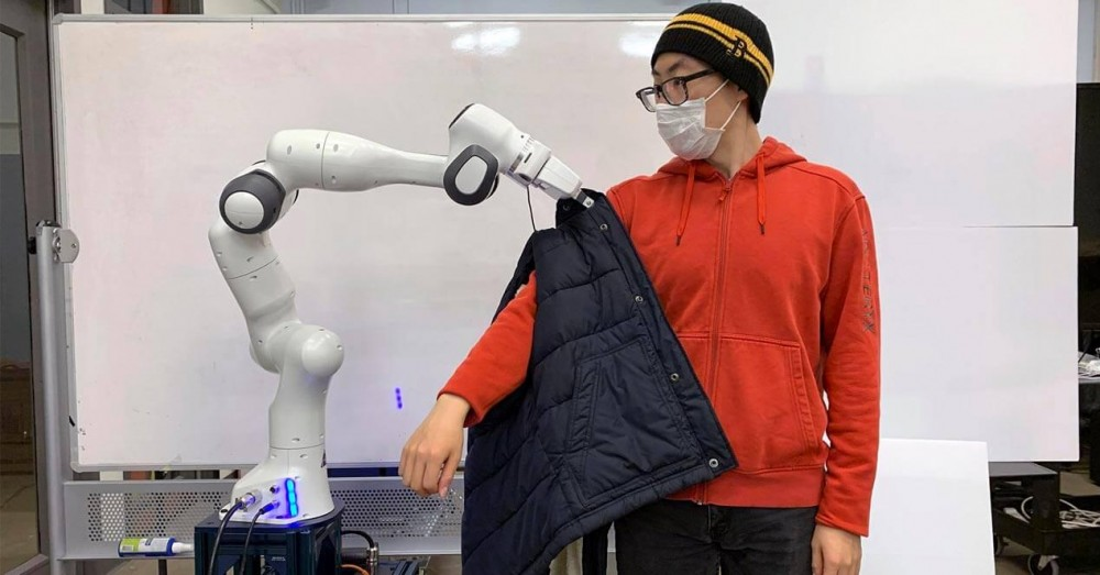 A Robot that Will Help People with Reduced Mobility to Dress
