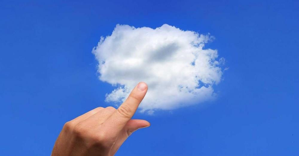 Pro și Contra de a utiliza Cloud sau o memorie USB pentru copii de rezervă