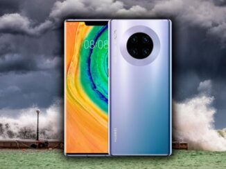 A Huawei Mate 30 Pro Continues to Work After Several Days Under Water